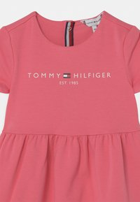 Tommy Hilfiger - BABY ESSENTIAL  - Jersey dress - exotic pink - 2