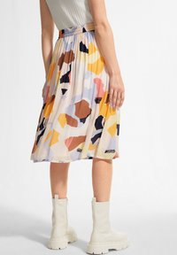 comma casual identity - A-line skirt - blush abstract geo - 2