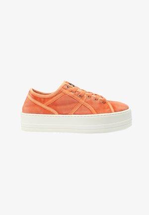 ASHBURY NARANJA - Zapatillas - orange