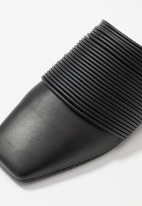 MM6 Maison Margiela - Pantofle - black - 2