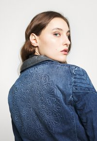 Desigual - CHAQ DENIS - Denim jacket - denim medium dark - 4