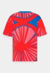 Marimekko - CREATED KUUSIKKO APPELSIINI - T-shirt print - bright blue/orange/pink - 7