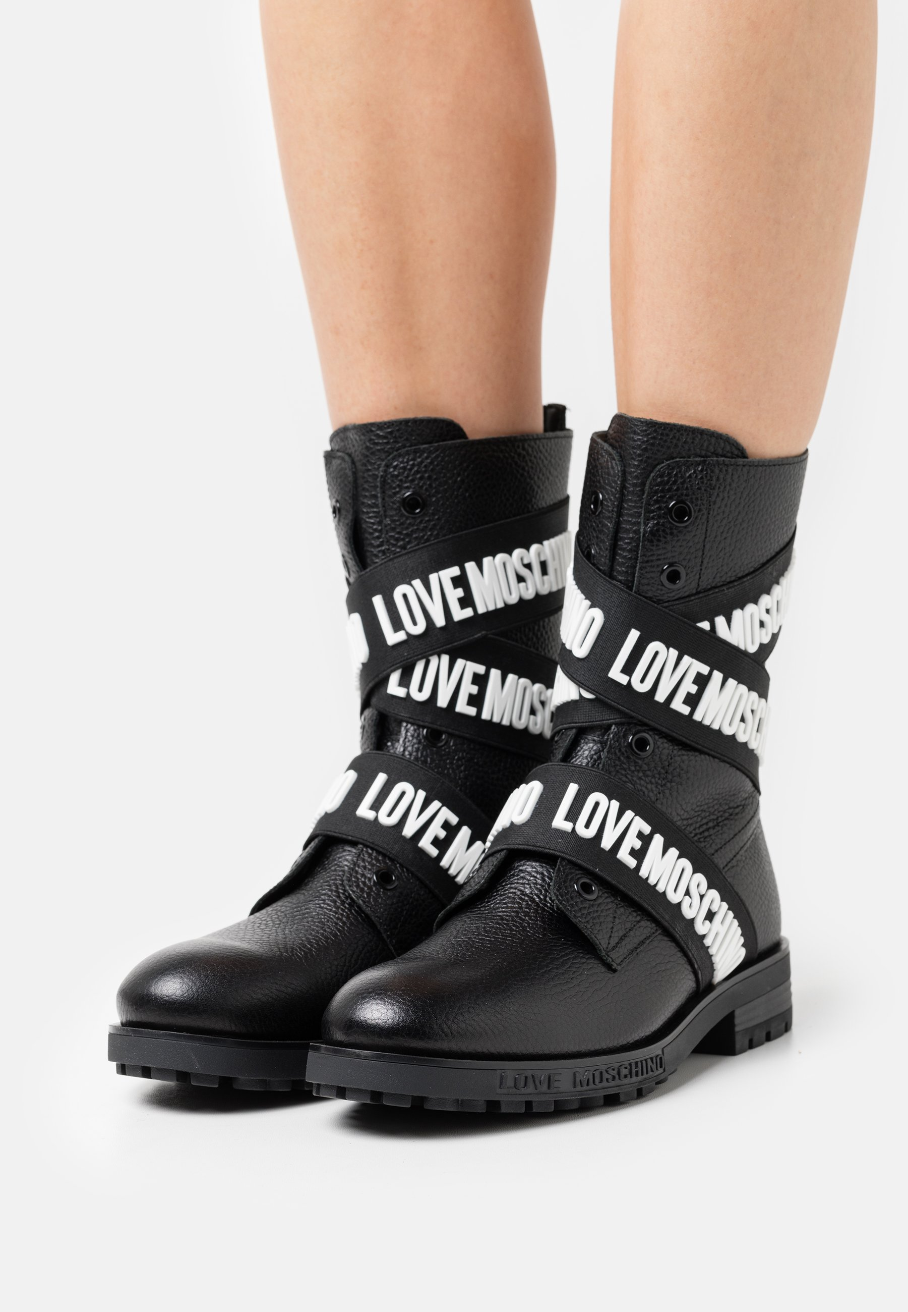 Women Cowboy/biker ankle boot
