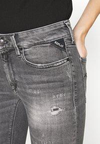 Replay - NEW LUZ - Jeans Skinny Fit - medium grey - 3