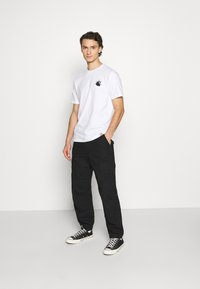 Carhartt WIP - NAILS - Print T-shirt - white/black - 1