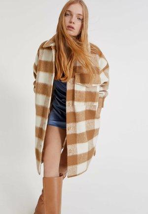 MIT KAROMUSTER - Short coat - brown