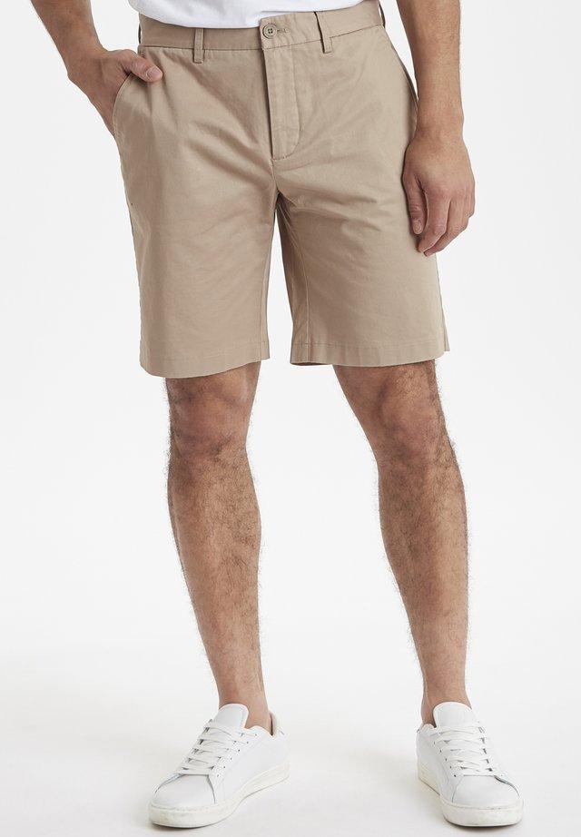 CFPARKER CHINO  - Shorts - silver mink