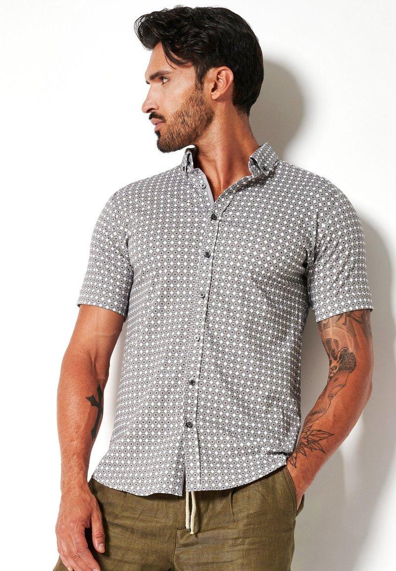 DESOTO - Shirt - white