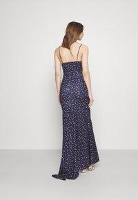 Missguided - FLORAL CAMI FISHTAIL BRIDESMAID DRESS - Sukienka z dżerseju - navy - 2