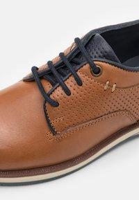 Friboo - LEATHER - Volnočasové šněrovací boty - cognac - 5