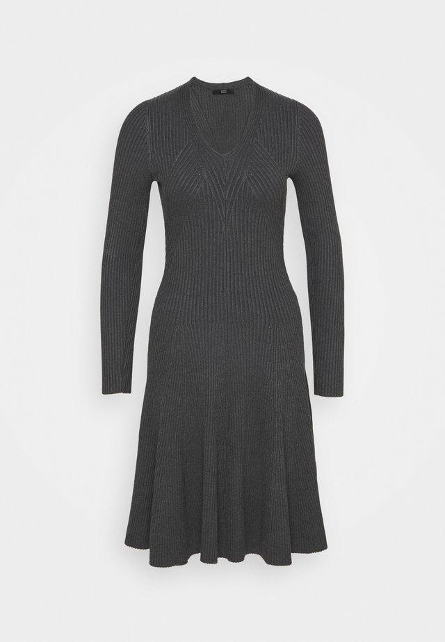 FAVORITE DRESS SPECIAL - Gebreide jurk - medium grey