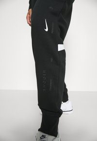 Nike Sportswear - PANT - Trainingsbroek - black/white - 3