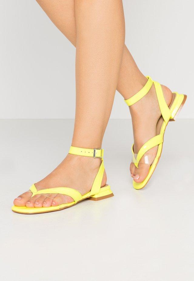VEGAS - Sandály s odděleným palcem - clear/lime green
