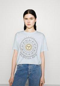Even&Odd - Print T-shirt - light blue - 0
