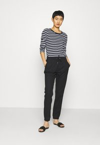 Tommy Hilfiger - CANDICE ROUND - Long sleeved top - breton white/desert sky - 1