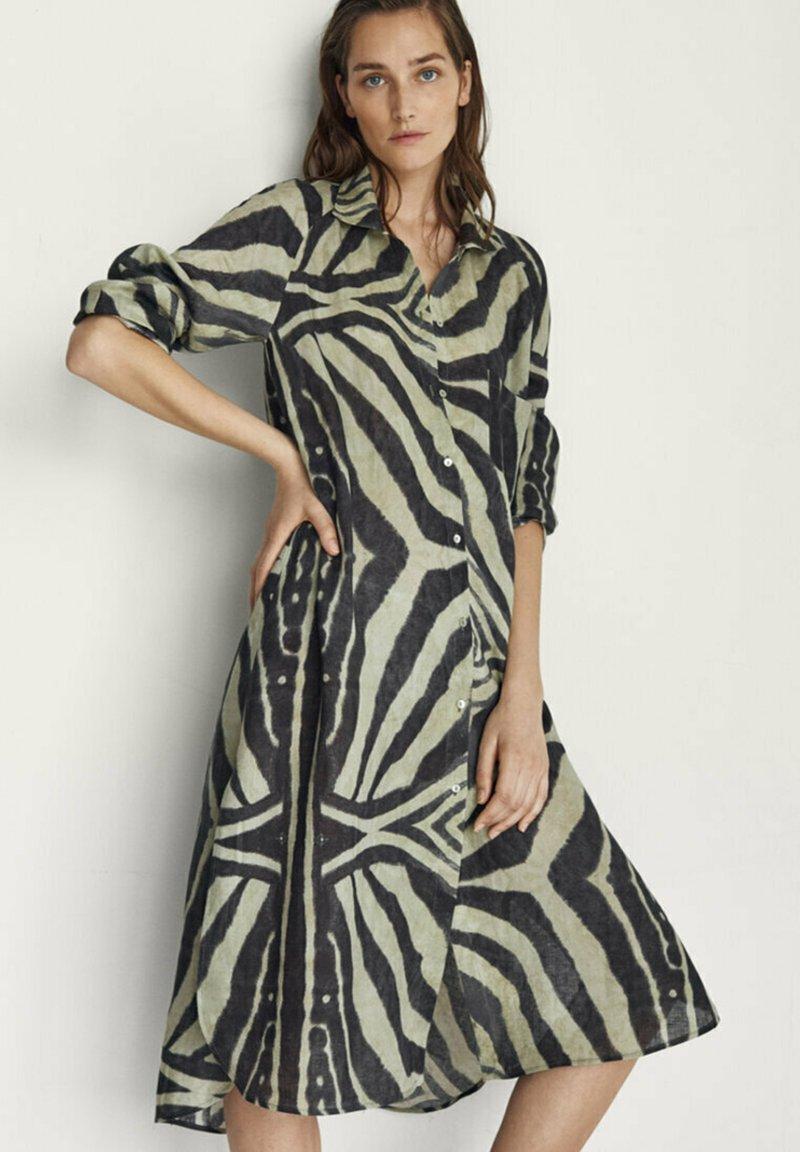 Massimo Dutti - Shirt dress - khaki