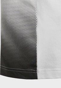 adidas Performance - FOOTBALL-INSPIRED X AEROREADY COTTON T-SHIRT - T-shirt z nadrukiem - white - 5