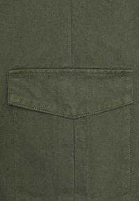 URBN SAINT - USJASPER CARGO PANTS - Pantaloni cargo - thyme - 2