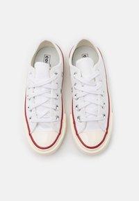 Converse - CTAS 70S UNISEX - Trainers - white - 3