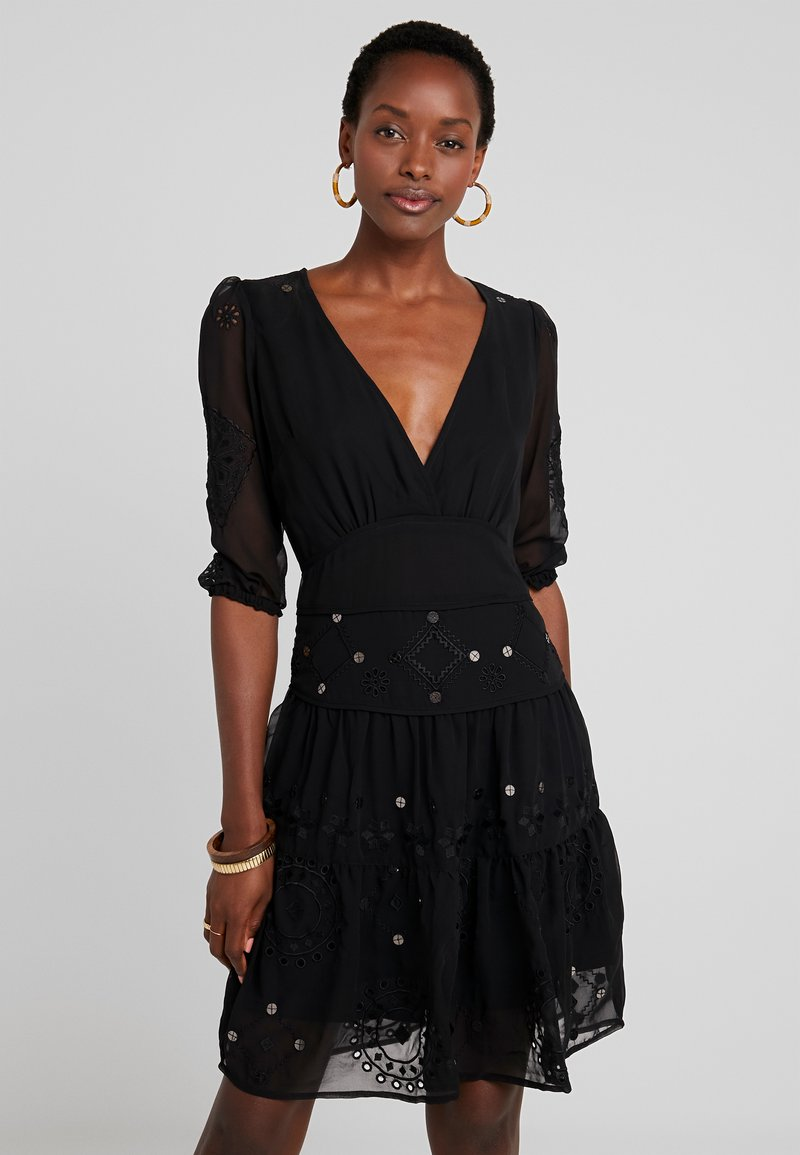 Desigual - VEST NAILA - Denní šaty - black