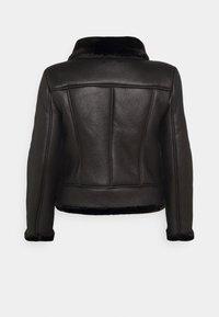 Missguided Plus - AVIATOR - Winter jacket - black - 2