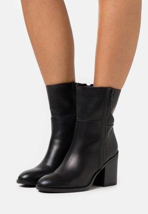 PADOVA BOOTIE - Støvletter - black