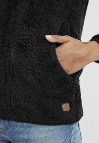 Oxmo - TELSA - Zip-up hoodie - black - 4