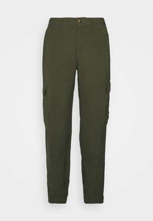 ONLARIS LIFE PANT - Pantalones cargo - kalamata