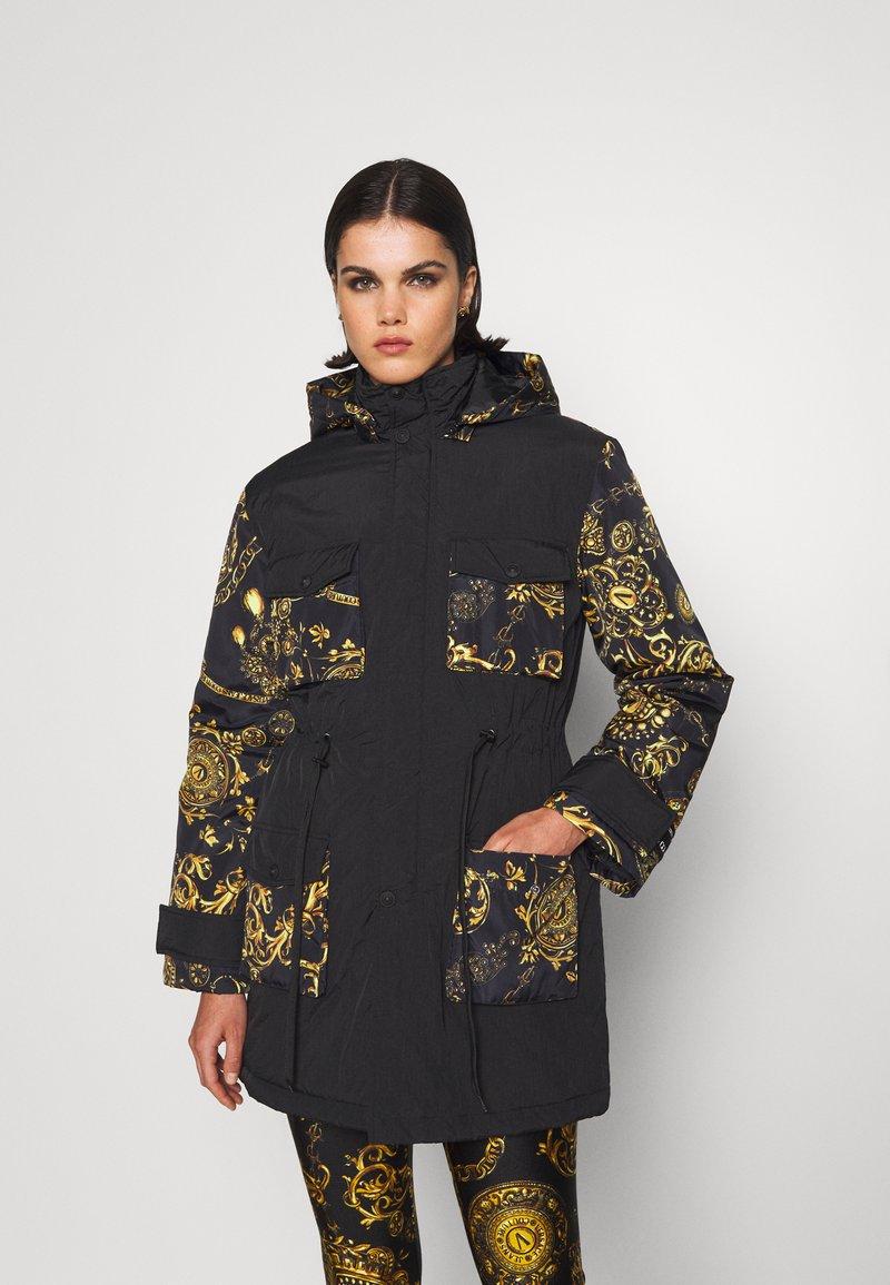 Versace Jeans Couture - OUTERWEAR - Parka - black/gold