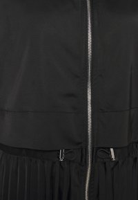 KARL LAGERFELD - TECHNICAL PLEATED - Trenchcoat - black - 2