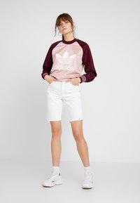 adidas Originals - LONGSLEEVE - Top sdlouhým rukávem - pink spirit/maroon - 1