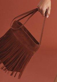 Next - FRINGE DETAIL - Across body bag - tan - 0
