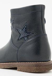 Froddo - CLOE NARROW FIT - Kotníkové boty - dark blue - 2
