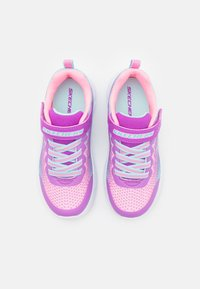 Skechers Performance - GO RUN 650 - Neutrální běžecké boty - pink/multicolor - 3