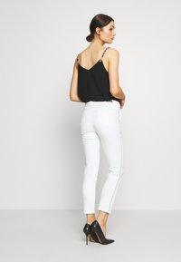 Morgan - PEPPER - Kalhoty - white - 2