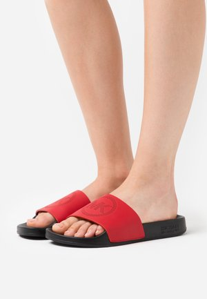 GILMORE SLIDE - Pantofle - bright red