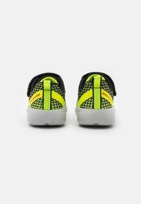 Skechers Performance - GO RUN 600 BAXTUX UNISEX - Obuwie do biegania treningowe - yellow/black/red - 2