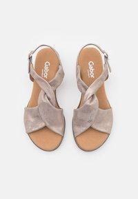 Gabor Comfort - Wedge sandals - muschel/creme - 5