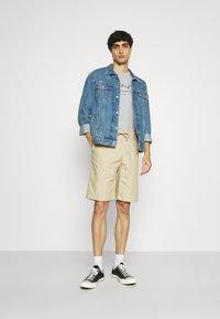 GANT - SUMMER - T-shirt med print - grey melange - 1