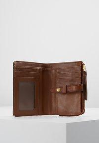 Fossil - FIONA - Wallet - medium brown - 5