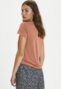Soaked in Luxury - COLUMBINE TEE - Basic T-shirt - carnelian - 2