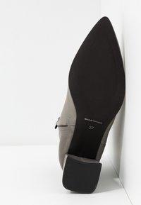 Zign - Kotníková obuv - dark gray - 6