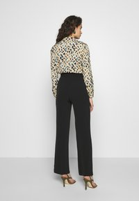 Progetto Quid - TROUSERS - Kalhoty - black - 2