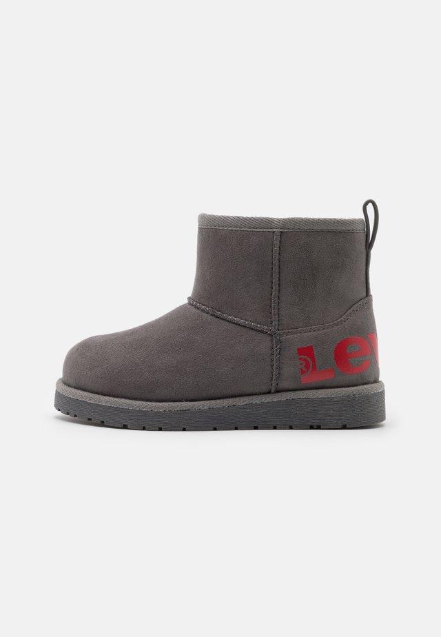 WAVE MID - Kotníkové boty - grey