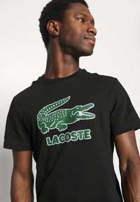 Lacoste - Print T-shirt - black - 3