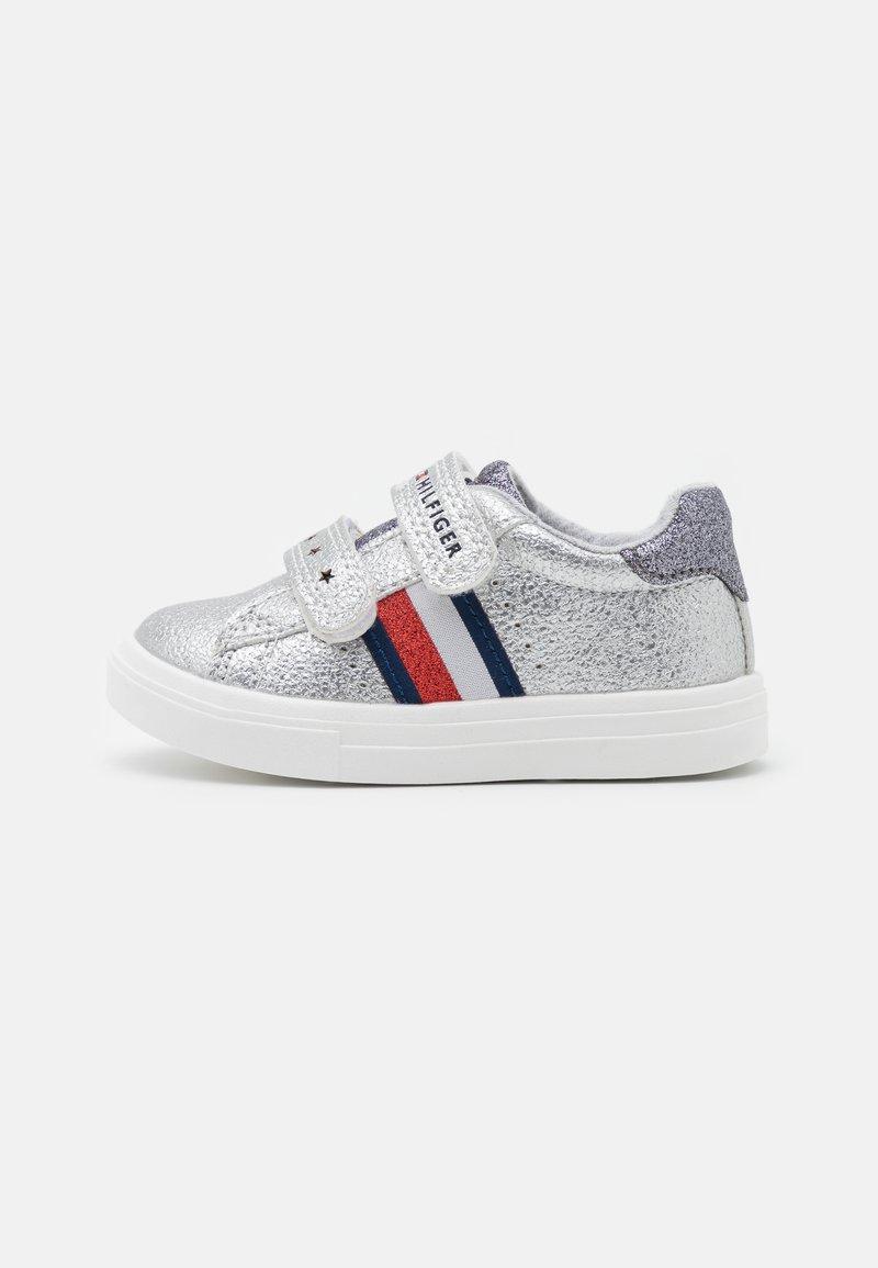 Tommy Hilfiger - Sneakersy niskie - silver