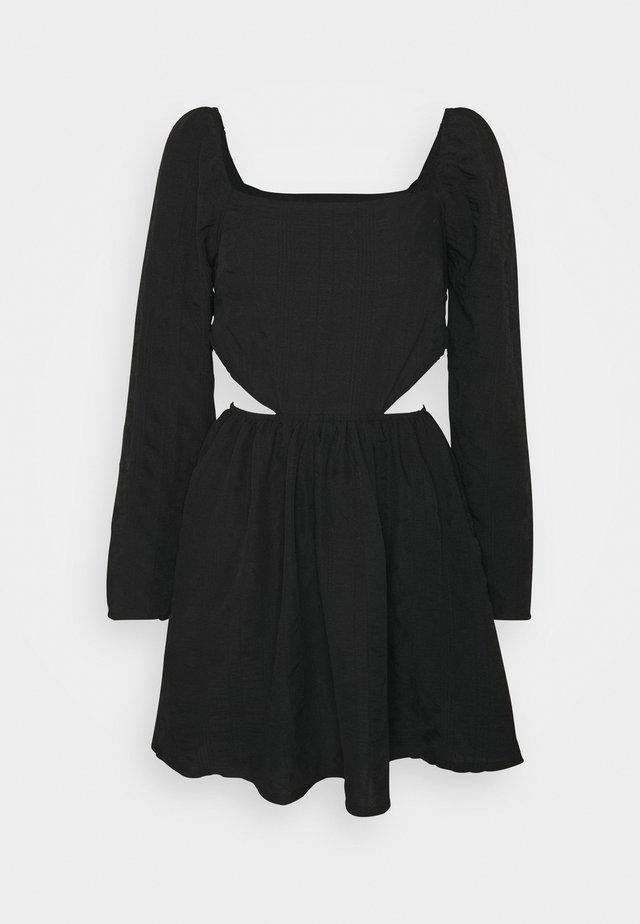 CUT OUT SIDE SQUARE NECK DRESS CRINKLE - Day dress - black