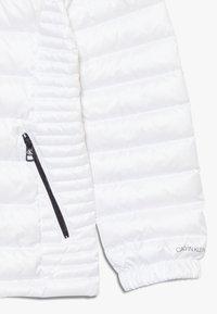 Calvin Klein Jeans - FITTED LIGHT JACKET - Gewatteerde jas - white - 2