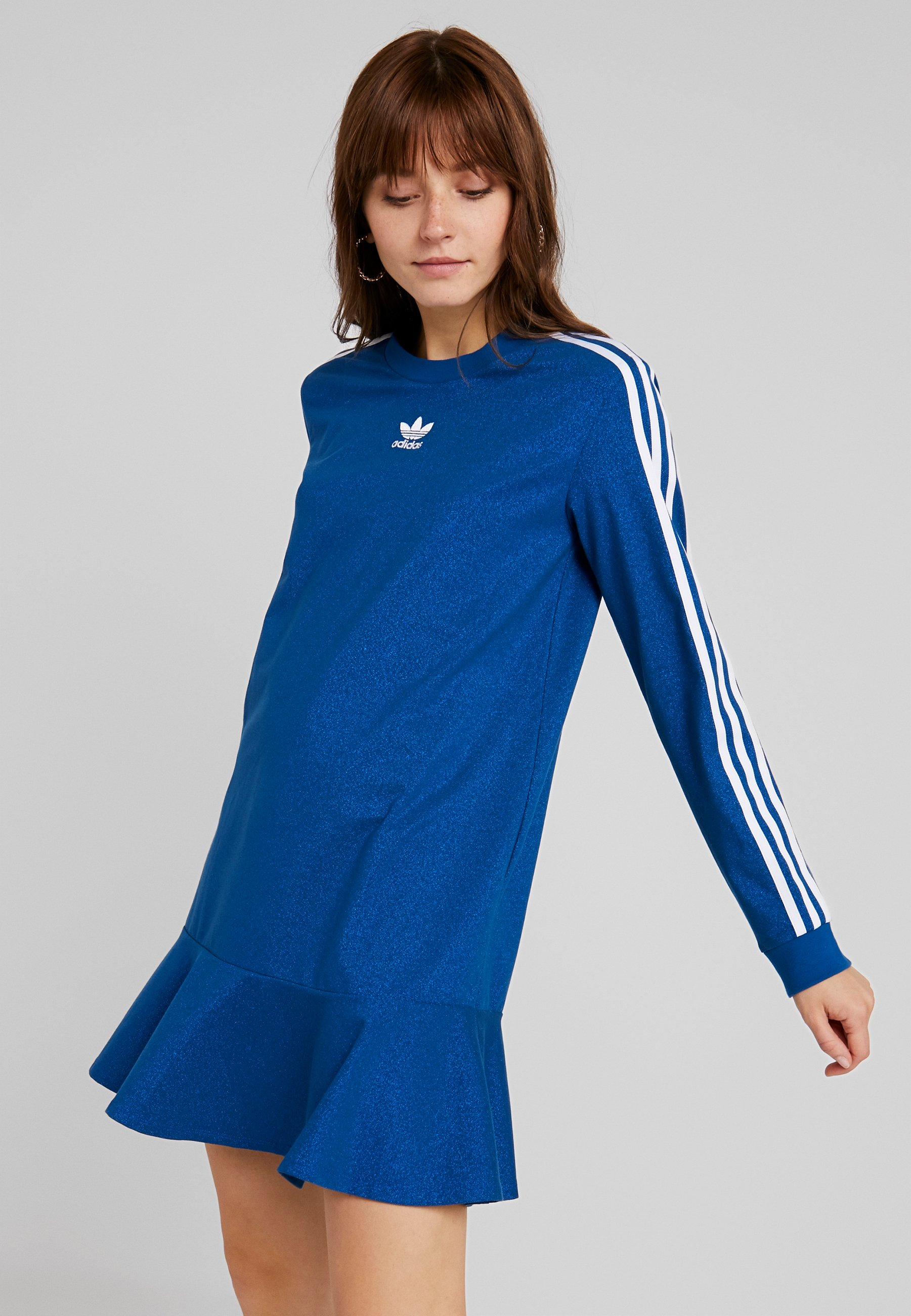 financiero Trastorno Materialismo  adidas Originals BELLISTA 3 STRIPES T-SHIRT DRESS - Vestido camisero - tech  mineral - Zalando.es