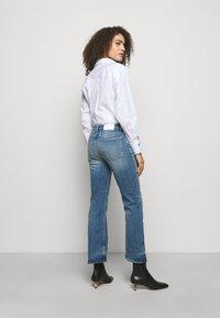 CLOSED - BAYLIN - Flared Jeans - light blue - 2